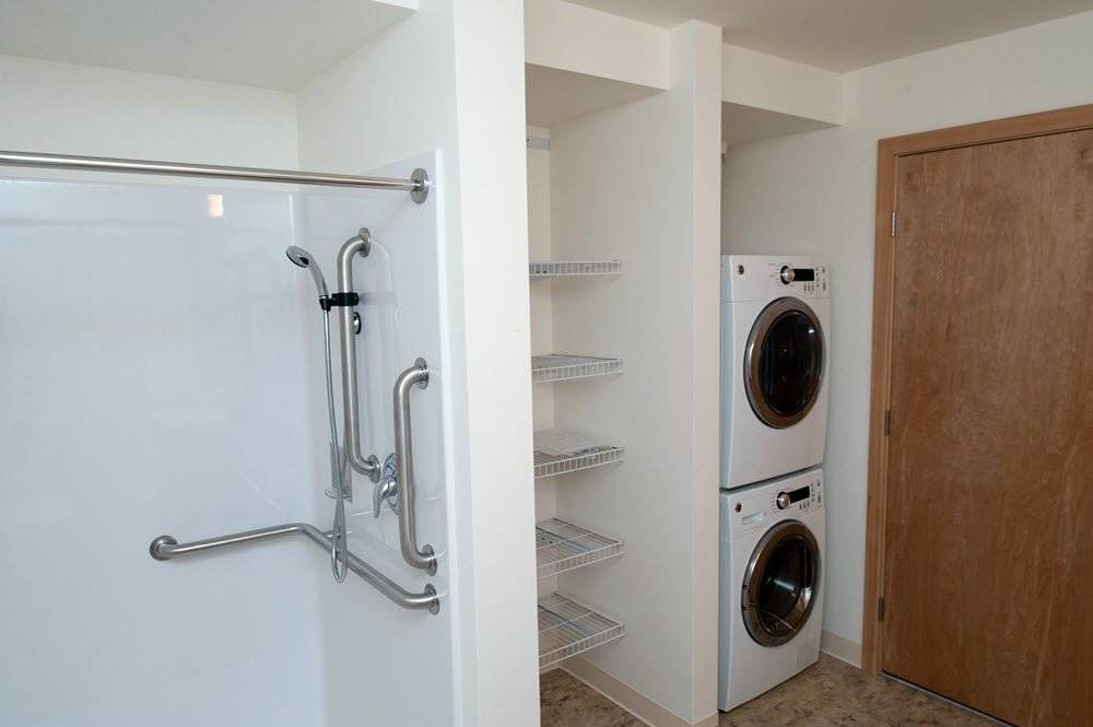 Shower room with washer and dryer