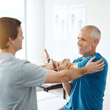 physical-therapy-shoulder-consultation